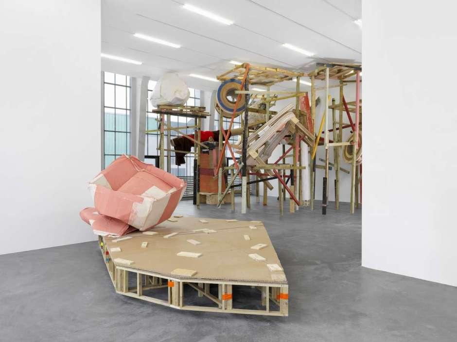 Installation view: Phyllida Barlow at Kunsthalle Zurich (photo courtesy of Annik Wetter)
